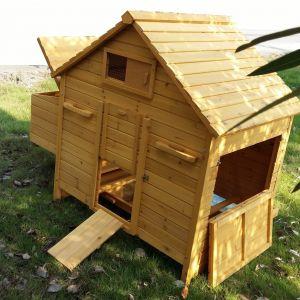 Poulailler-Bassette-XL-toit-en-bois-6-à-10-poules-vue-générale